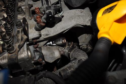 diy model 2000 head 14 engine gear rocker cylinder inlet removal 50 exhaust kw skoda fabia mpi manifold haynes cylinderhead ohv aze pushrod azf 6y refitting overheadvalve magnera 2000–2003