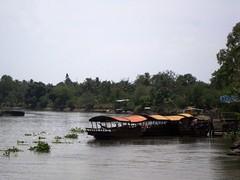 Backriver, Mekong Delta (чãvìnkωhỉtз) Tags: river landscape boats sony delta vietnam mekongdelta mekong 2010 việtnam sông mientay miềntây cửulong dscw130 đồngbằngsôngcửulong đồngbằng gavinkwhite