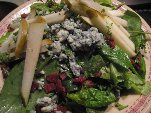 bacon blue cheese pear salad