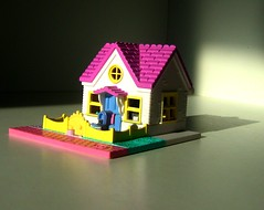 Bluebird/Mattel Toys (1992): Polly Pocket - Lucy and Polly's Dream Cottage (Aka Polly's Country House) - 1 of 2 (Kelvin64) Tags: house toy toys lucy model doll dolls country models cottage dream hobby polly 1992 bluebird hobbies pocket mattel 1990s 90s pockets pastime pollys pastimes