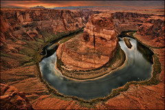horseshoe bend - page arizona (Dan Anderson (dead camera, RIP)) Tags: sunset red arizona horse cliff west monument rock wonder shoe desert natural bend grandcanyon az canyon national page coloradoriver meander horseshoe navajo overlook lakepowell gooseneck glencanyon switchback horseshoebend