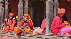 """NEPAL, Pashupatinath, Zu den Hindutempeln und Verbrennungsstätten,  Eine fremde Welt, serie ,  16319 (roba66) Tags: reisen travel explore voyages roba66 visit urlaub nepal asien asia südasien kathmandu pashupatinath """"pashu pati nath"""" """"pashupati """"herr alles lebendigen"""" tempelstätte hinduismus shivaiten tempel verehrungsstätte shiva tradition religion menschen people leute frau woman portrait lady portraiture"""
