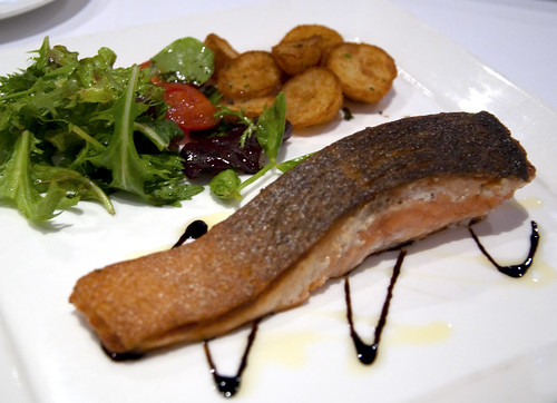 Pan-fried Salmon with Mesclun Salad
