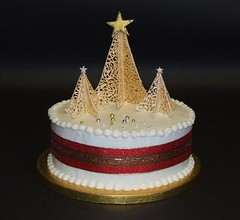 Christmas Tree Cake (Alix'sCakes - away for a while) Tags: christmas cake fruit gold ribbon pearl christmastrees filigree royalicing dragees alixscakes