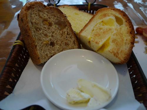 Kelvin&Vivian 拍攝的 麵包可以續呢。
