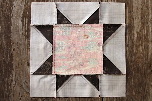 Hand Piecing a Sawtooth Block