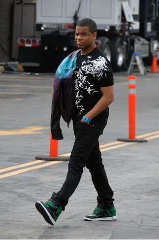 TRISTAN WILDS : ON SET OF 90210