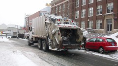 University of MN Garbage Truck (TheTransitCamera) Tags: truck garbage leach