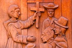 COPACABANA, BOLIVIA. (thejourney1972 (South America addicted)) Tags: door wood church carved puerta cross religion iglesia bolivia copacabana cruz igreja porta madeira religiao talhada