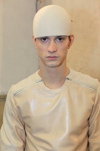 Theo Hall3055_FW10_Paris_Romain Kramer BS(Dazed Digital)
