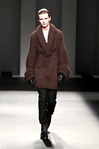 Zdenek Zaboj3090_FW10_Barcelona Fashion Week_Jan IU MES(lizzylily)