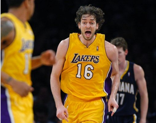 Pau is such a douche