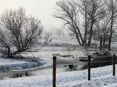 field stream (atglinenlady) Tags: barns amish farms clotheslines anndavis qulits anngarelldavis fauxfarmgirl lancasteramish