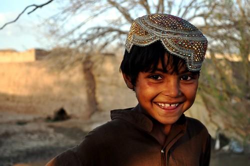 フリー画像| 人物写真| 子供ポートレイト| 外国の子供| 少年/男の子| 笑顔/スマイル| アフガニスタン人|     フリー素材|