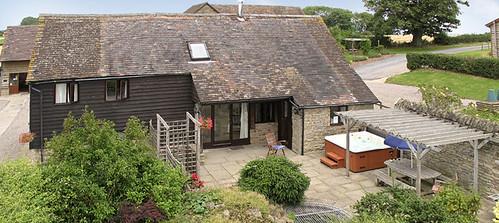 Hidelow house tithe barn