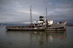 20091216 Ushuaia 225 (blogmulo) Tags: patagonia argentina ushuaia puerto boat barco ar harbour decay viajes fin 2009 mundo endoftheworld blogmulo