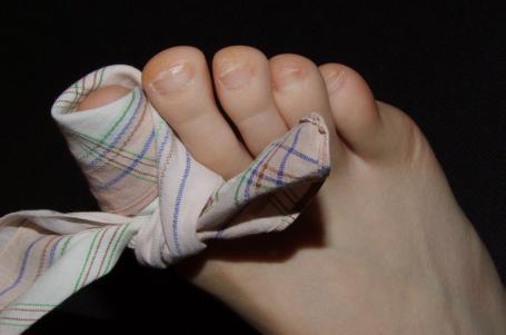 Černé nehty: Módní doplněk, o který nestojíme