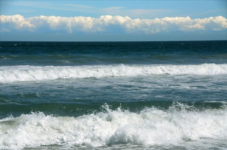 web_patrickbeach_cloudsmountains_0104_2572