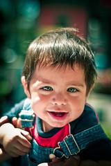 (+ darkolina) Tags: portrait baby smile miguel kid exterior leo retrato beb sonrisa leonardo miguelito nio macareno