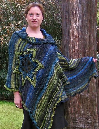 Edie shawl