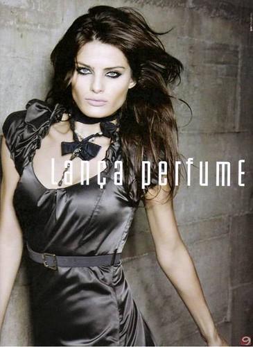Isabeli-Fontana-Lanca-Perfume-Ads-2009-2