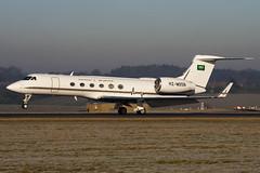 HZ-MS5B - 583 - Saudi Medevac - Gulfstream V - Luton - 100104 - Steven Gray - IMG_5940