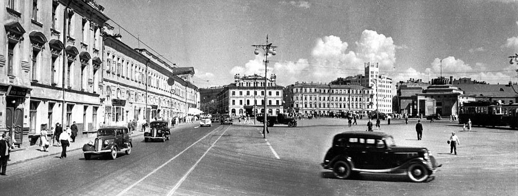 arbat_square_1940_panorama_small
