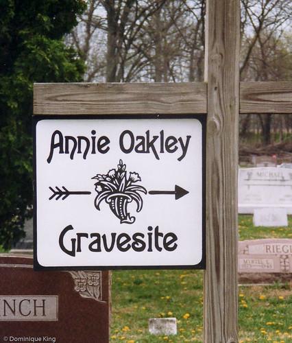 Annie Oakley Gravesite-1