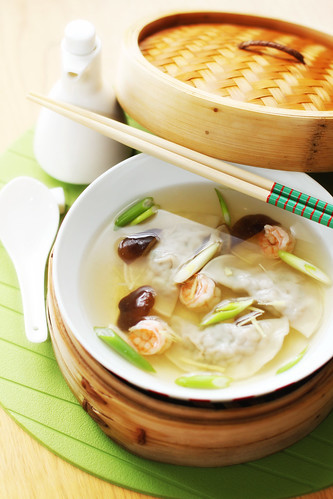 Asian-Style Dumpling and Prawns Soup