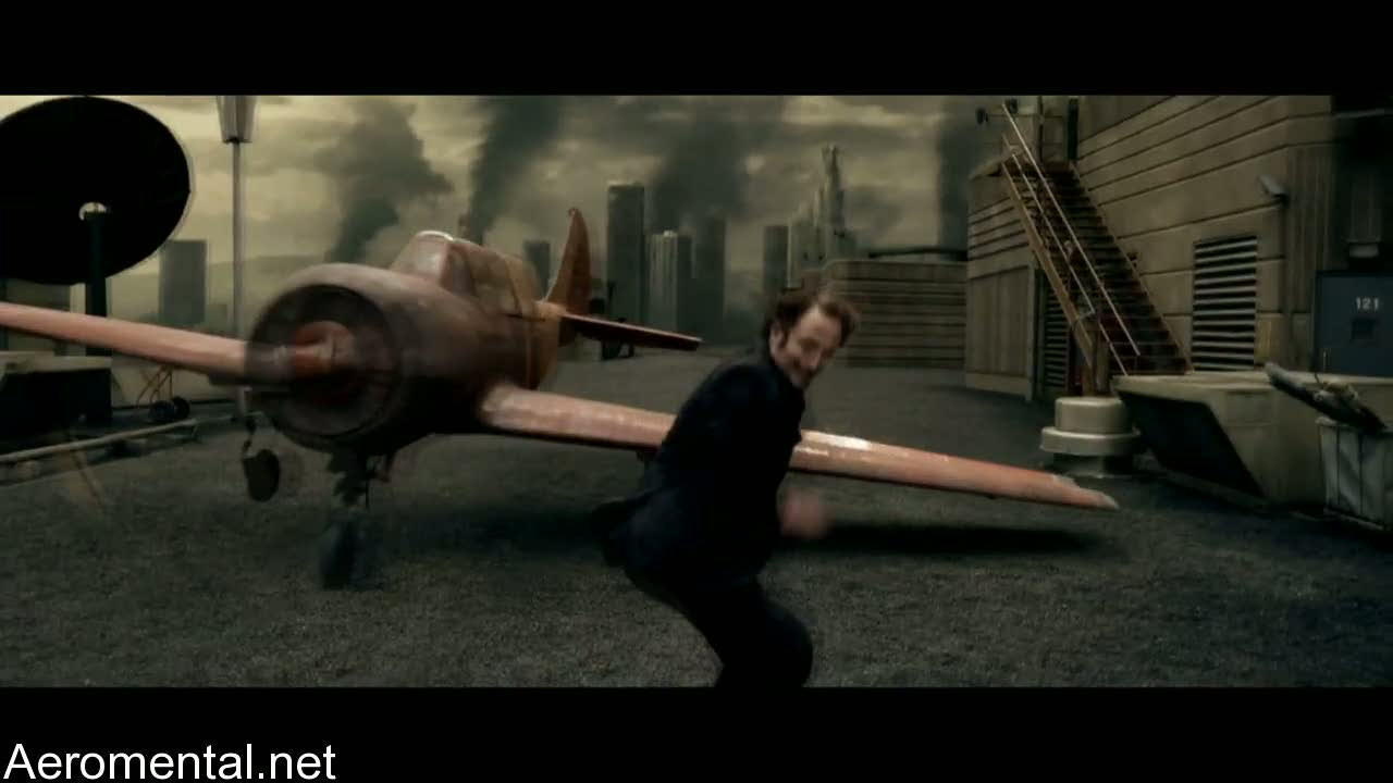 Resident Evil Afterlife red airplane