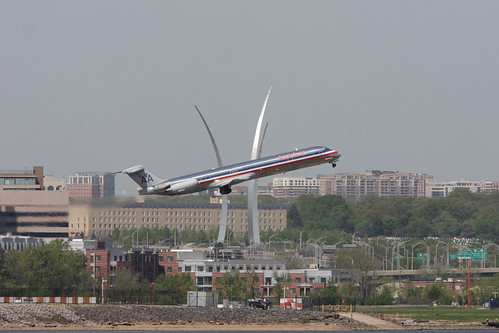 American Airlines MD-82 - N573AA