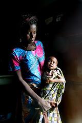 Sauvé - Saved (Délirante bestiole [la poésie des goupils]) Tags: africa hospital child north mother togo afrique malnutrition slump ush peul dapaong marasme proteincaloriemalnutrition