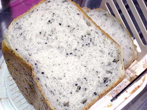 白玉粉入りセサミパン