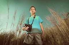 youngPhotographer (Harizazman) Tags: lighting boy smile photoshop nikon village natural d70s sb600 tokina adobe kampung f28 adik cls kecil toning cs3 d90 1116 anak2 harizazman