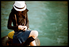 J (Lefty Jor) Tags: sea hk film girl hat hongkong day dof bokeh wave skirt agfa misu vista100 f3hp 50mmf12