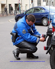 IMG_4095.ID (bootsservice) Tags: paris leather uniform boots motorcycles moto yamaha uniforms garde escort bottes helmets motos uniforme motocycle gendarme cuir motards breeches gendarmerie uniformes escorte tallboots casques republicaine