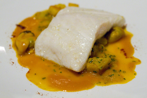 Halibut with tomato and leeks