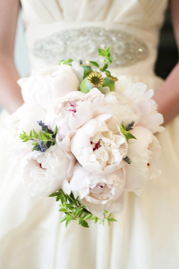 pink-peony-bouquet-modern-wedding-bouquet-unique-wedding-bouquet-580x872