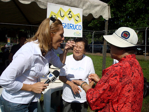 Undokai 2010: Repórter da TV Tribuna (afiliada Rede Globo) experimenta o Oshiruko