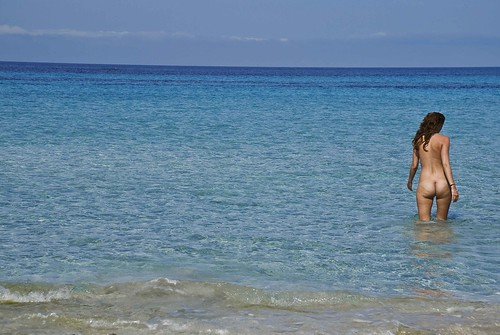 the naked nudist beach candid pics: desnuda, arena, playas, guilla, bano, formentera, relax, beach, agua, blue, verano, baleares, nudista, el, sky, azul, beachs, muchacha, nudebeach, d80, nudismo, mediterraneo, vacaciones, playa, turquesa, mar, mujer, cielo, chica, isla, elguilla, girl