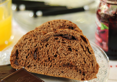 slice chocolate bread