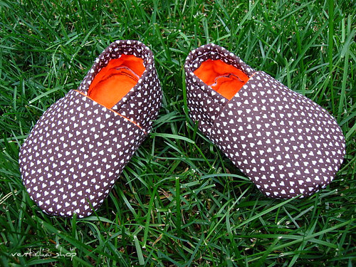Sweet Hearts Baby Shoes Booties Slippers Crib Shoes