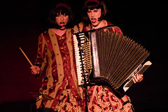 Evelyn Evelyn (musique nonstop) Tags: music concert evelyn livemusic accordian jasonwebley largo coronet chickenman amandapalmer evelynevelyn theruckus