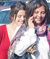 Selena and Mandy (Pretty Stars) Tags: california usa shopping losangeles brothers nick fulllength cellphone taylor actress demi cyrus jonas selena gomez lautner miley lovato jemi niley selenagomez wizardsofwaverlyplace nelena