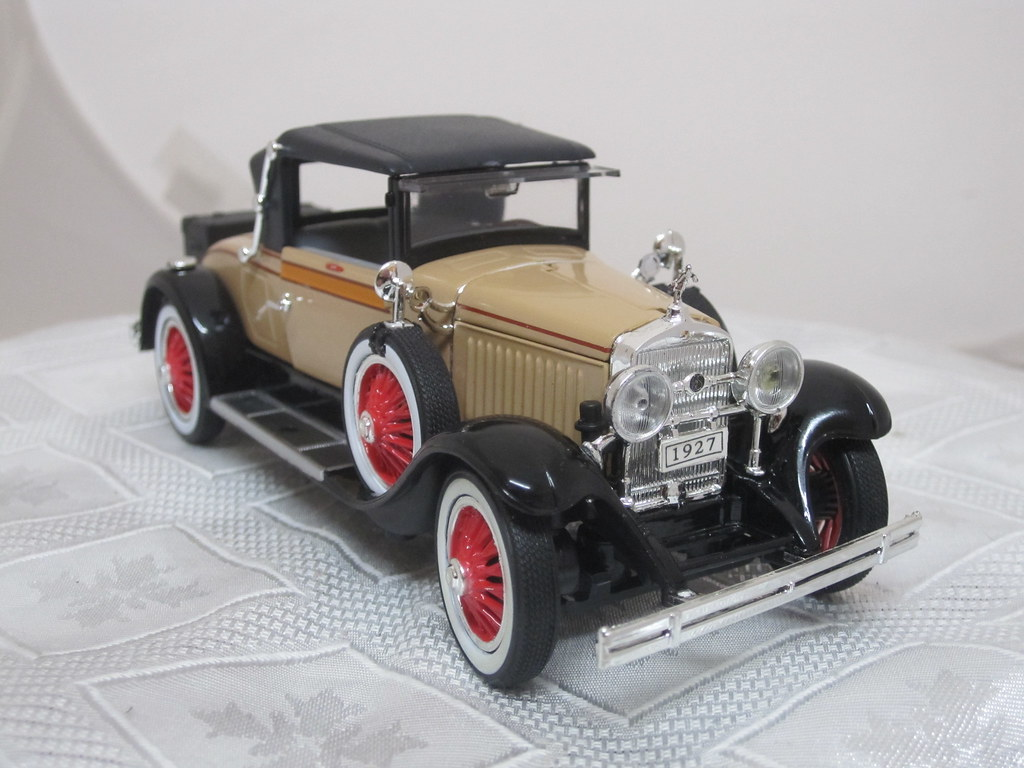 1927 Cadillac 314 Roadster front right 2