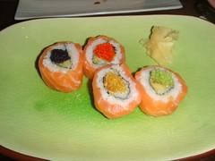 Bankin roll de salmón y aguacate