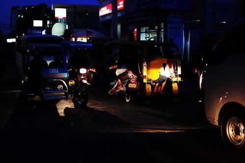 當地夜晚街景