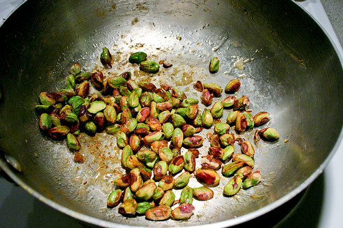 quickly cook pistachios