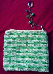 Lime-Lemon Waves Purse (LauraLRF) Tags: verde green thread yellow bag beads lemon waves stitch lima coins crochet silk amarillo cotton purse lime seda ondas limon algodon tejido monedero cuentas ganchillo