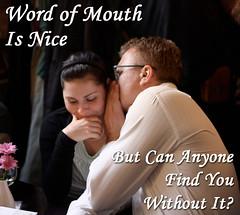 口コミをする男性